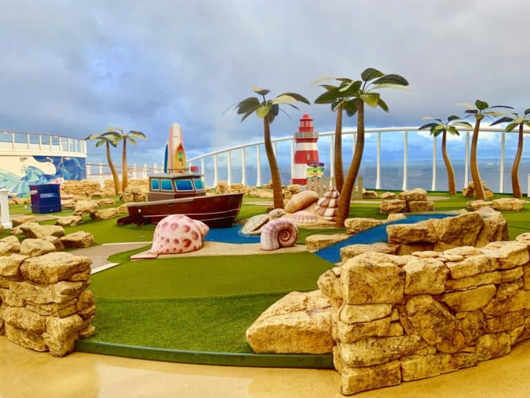 Harmony Of The Seas Mini-Golf